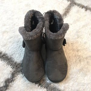 Other - ✨NWT✨ Kids Boots